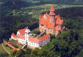 Bouzov, hrad na Morav, kde se toly pohdky.